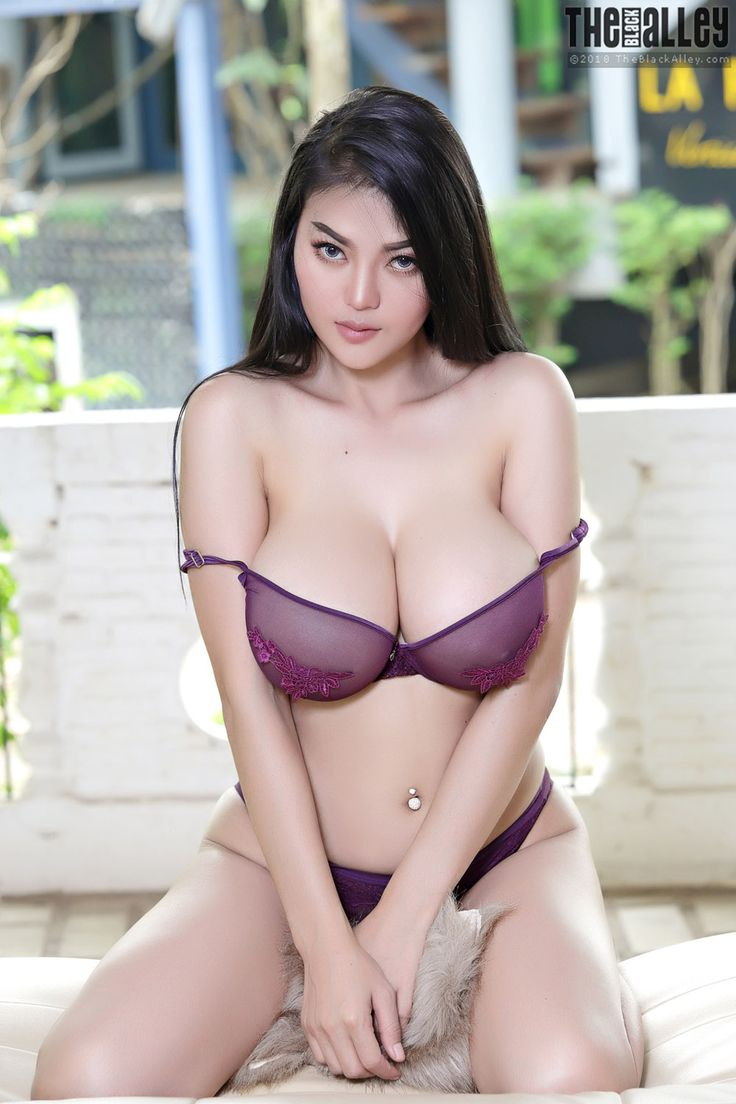 naked japanese in the street